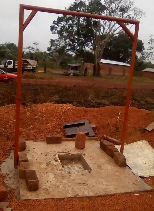Pozo de agua en Kingoue con cliniFUE